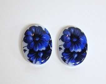 Vintage Glass Cabochon Germany Blue Flowers on White 18x13mm cab685