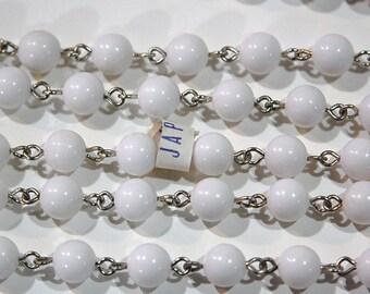 Vintage White Plastic Beaded Chain Silver Tone Links Japan chn064