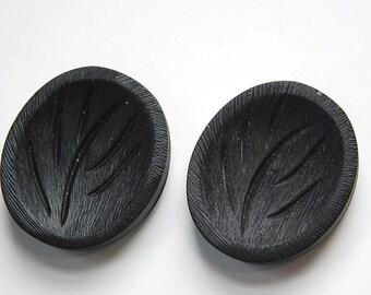 Large Vintage Black Plastic Mod Plant Tree Button LG btn018