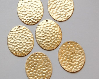 1 Hole Raw Brass Hammered Oval Charm Pendant (6) mtl100C