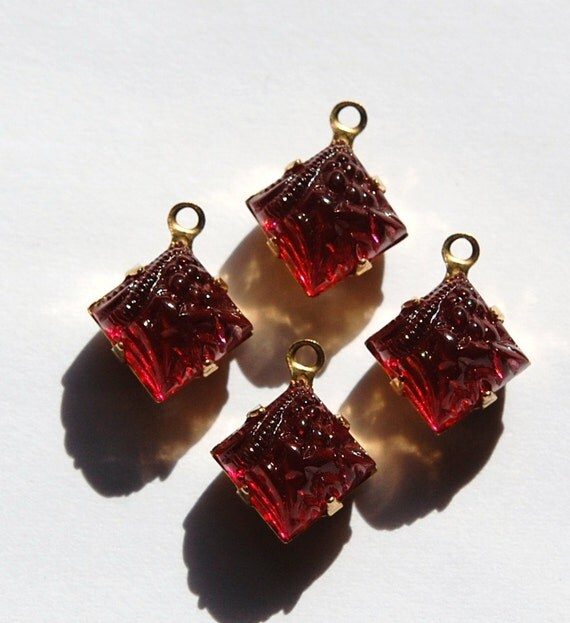 Raised Etched Cranberry Red Square Glass Stones in 1 Loop Brass Setting 8mm squ002Y