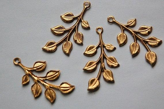 1 Hole Raw Brass Leafy Branch Charm Drop Pendant (4) mtl290