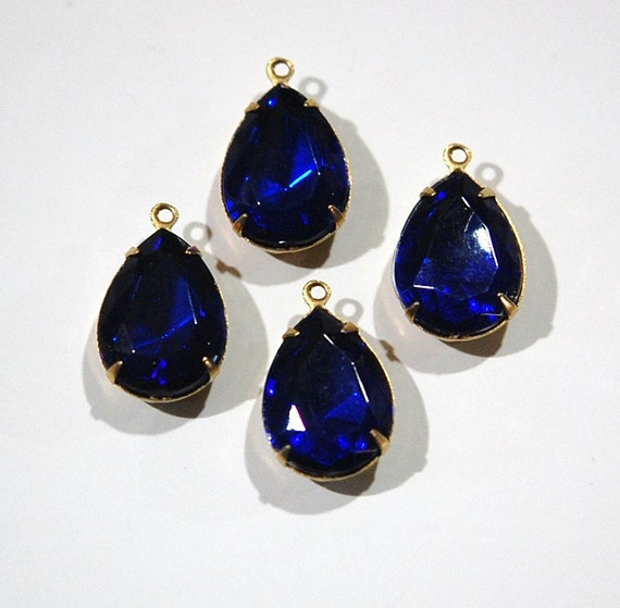 Vintage Faceted Acrylic Sapphire Teardrops in 1 Loop Brass Setting 18mm x 13mm par004H