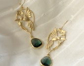 Sweet humming bird earrings in matte gold and forest green briolette