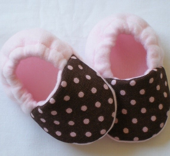 Brown with pink dots fleece baby booties by busyhandsboutique