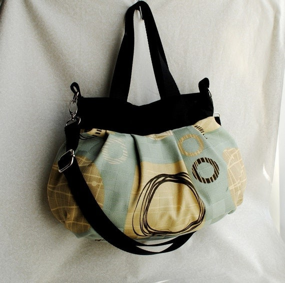 Cross Body Pleated Bag w/ Adjustable Strap - Grand Central Spa