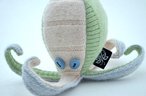 Wool Baby Kraken, meet Kai