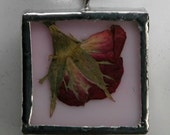 STAINED GLASS PENDANT WITH PRESSED ROSEBUD FLOWER