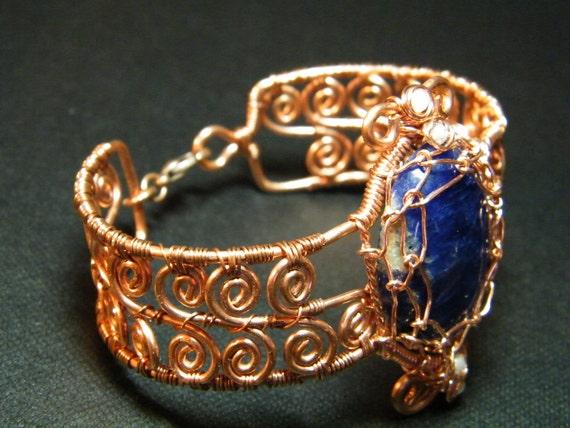Copper bracelet: Coiled copper, Sodalite with white Labradorite bracelet