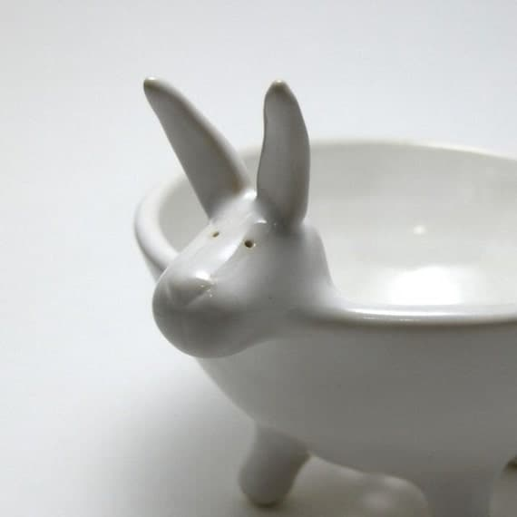 Bunny Berry Bowl in Eggshell White