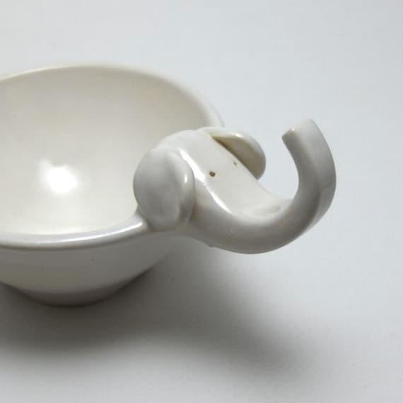 Elephant Bowl in Eggshell
