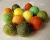 12 colored felt beads