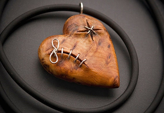 Stitched Heart Pendant in Yew