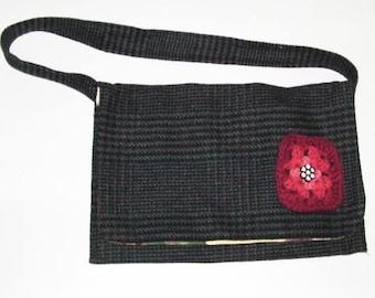 SALE wOOL Houndstooth Crochet  FLOWER Bag