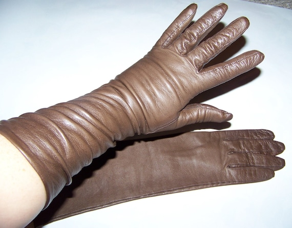 We offer several long leather gloves and leather opera gloves for formal occasions Made In Italy · Fair Trade · Many Options · Mobile Site.