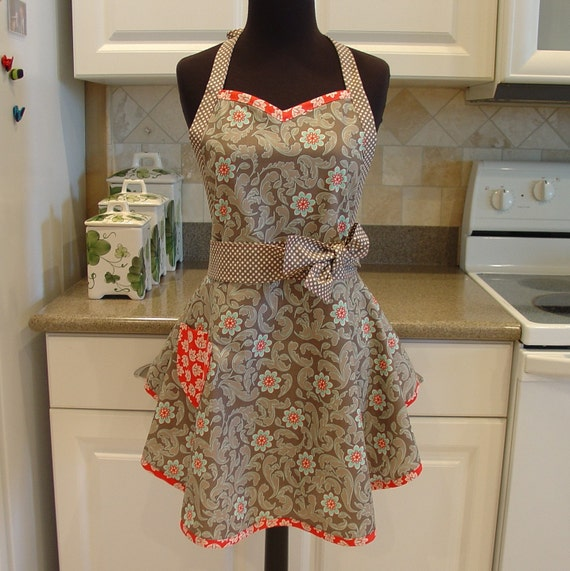 SweetHeart Apron - Damask and Dots in Gray