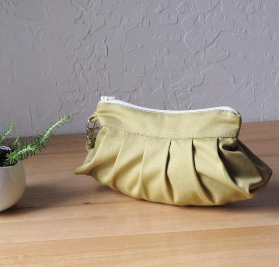 Wristlet, The Mini Blossom in Organic Honey Mustard