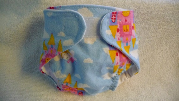 Doll   Diaper   Fits  most   14 to 18   inch  Dolls
