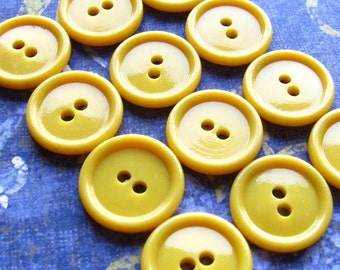 """Yellow Vintage Buttons - Set of 12 - 15mm (5/8"""") Yellow Casein Plastic Bordered Basic Buttons"""