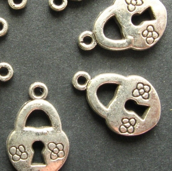 SALE - Charms - Set of 8 - Antique Silver Finish Heart Lock Charms - Dual Sided (SC0048)