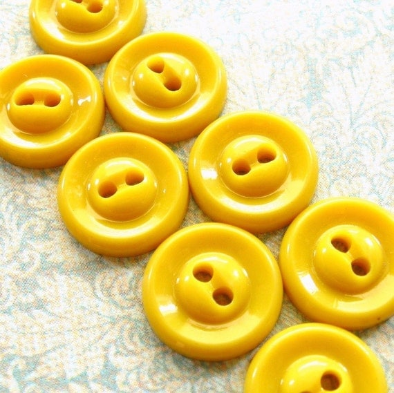 """Vintage Buttons - Set of 8 - Bright Yellow Casein Plastic 1/2"""" (13mm) Glossy Cute"""