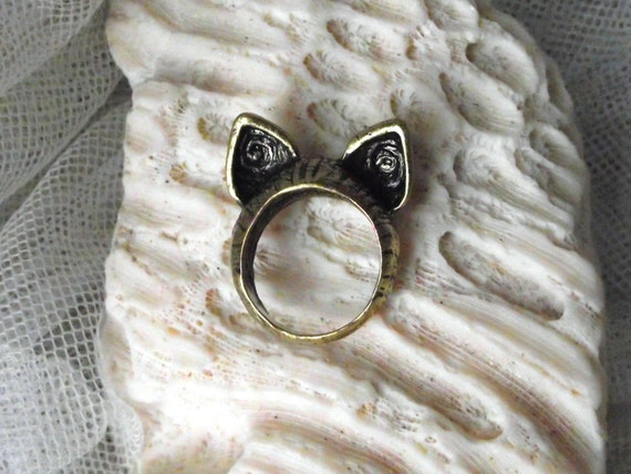 Gorgeous Cheshire Cat ears ring in bronze metal. READY TO SHIP