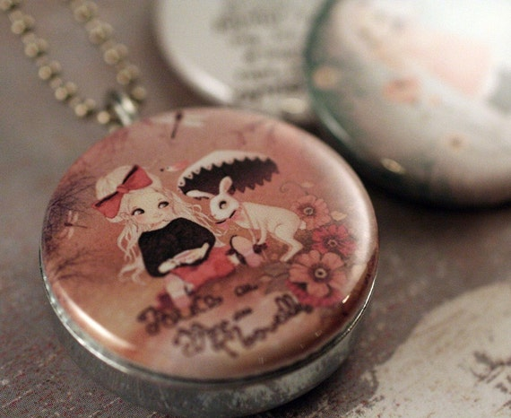 Matilou Magnetic Interchangeable Locket by Polarity JOYFUL