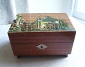 kitch souvenir jewelry box