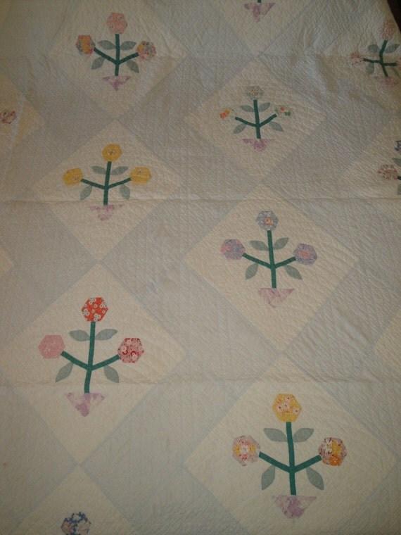 Vintage Flower Applique Quilt 70 x 84 Cutter Stacker Quilt
