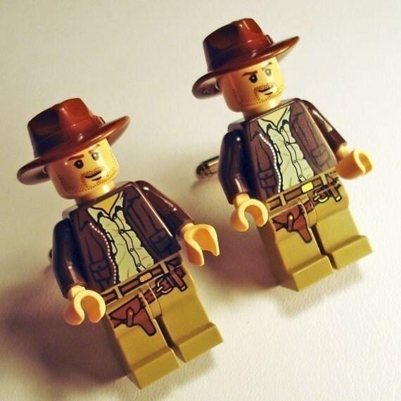 Full body Indiana Jones silver toned cufflinks in gift box
