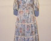 Beautiful Bohemian 70's Floral Prairie Dress
