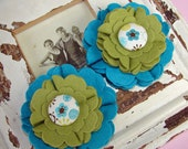 Wool Felt Flowers - Large Blooms - Peacock Blue & Pea Soup with Covered Button