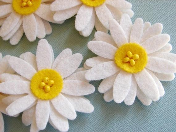 Wool Felt White Daisies Set of 8