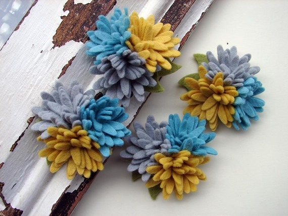 Wool Felt Flowers - Mini Daisy Trio - Aqua Sunshine Collection - Set of 4 with Leaves