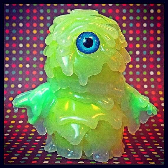 Gomi (green apple, blue eye)...    Kaiju Melt Monster vinyl toy...