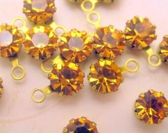 Vintage Swarovski Gold Drops\/Charms (8)