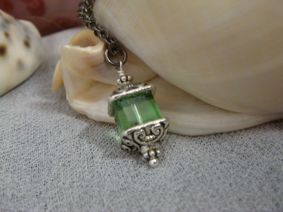 Fey Lantern Necklace - Absinthe Green