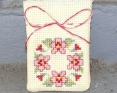 Pansy Sachet (Shades of Rose/Ecru)