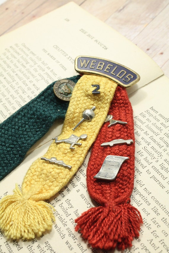 3 Ribbon Webelos Pin With 8 Badges For Boy Scouts By
