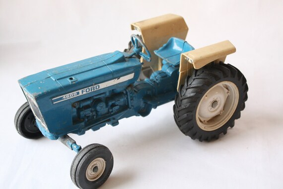 Ford 4600 Tractor Fenders : Blue ford tractor ertl co made in usa diecast metal