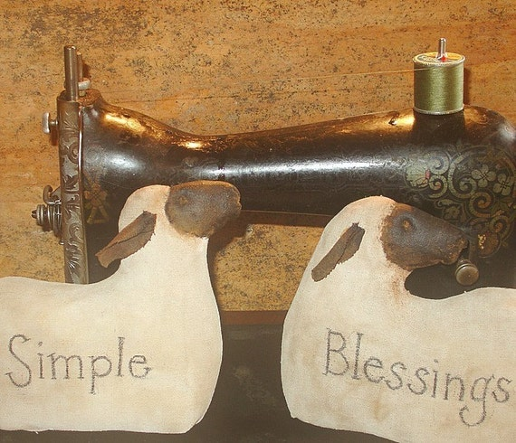 Simple Blessings Sheep, A Primitive Folk Art Pattern by Raven's Haven