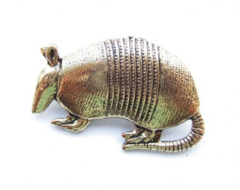 Little armadillo brooch