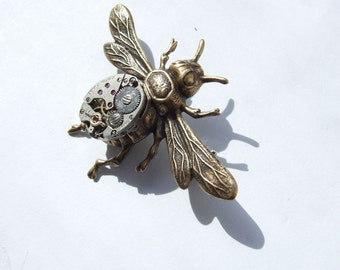 Large steampunk bee brooch, brass coloured