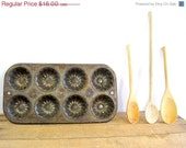 CYBER MONDAY Etsy Vintage Baking Pan Antique Muffin Bundt Tin