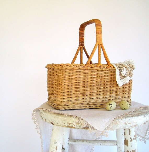 SALE Vintage Wicker Wine Basket Tote