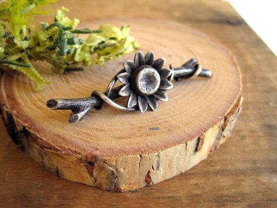 Vintage Pewter Pin Sunflower Fashion Brooch Gift for the Gardener