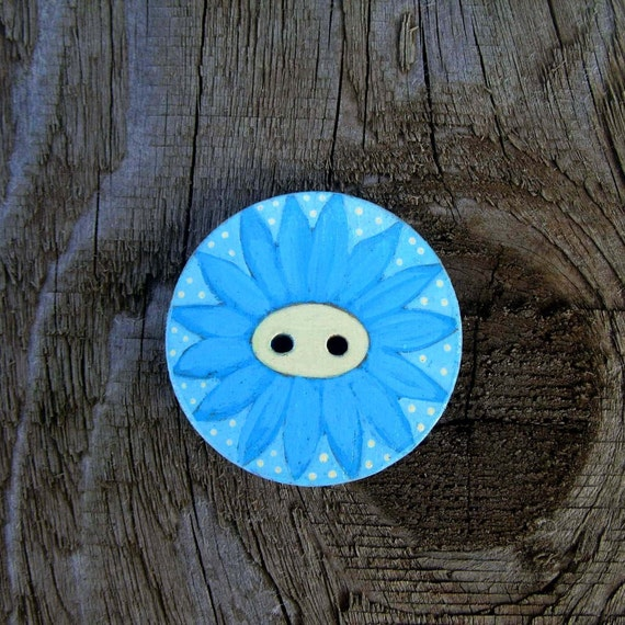 Daisy - Large Sewing Button - 1 1/2  inch ( 3.8 cm)- Handpainted Wood