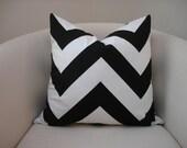 "18"" x 18"" Black and white chevron print pillow cover"