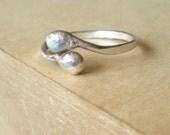 Hug - Sterling Silver Free Form Ring