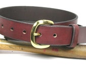 Leather belt plain or with two lines and your choice of four different colors with buckle
